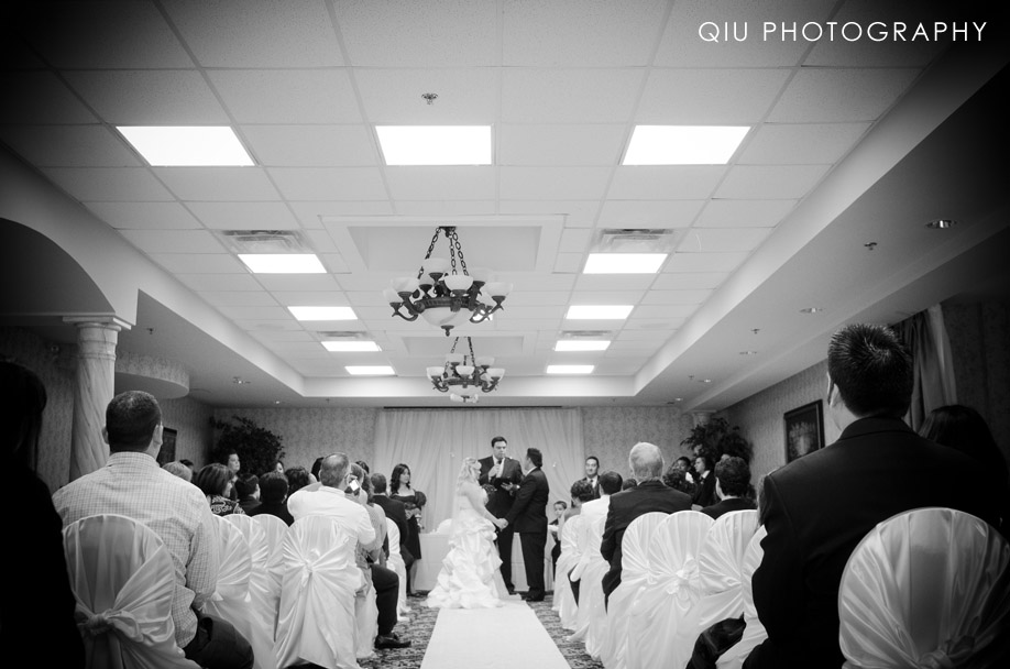 MississaugaWeddingPhotographer00164 Toronto Wedding Photography | Riviera Parque Dining Banquet Convention Centre | Sarah & Claudio (Sneak Peek)