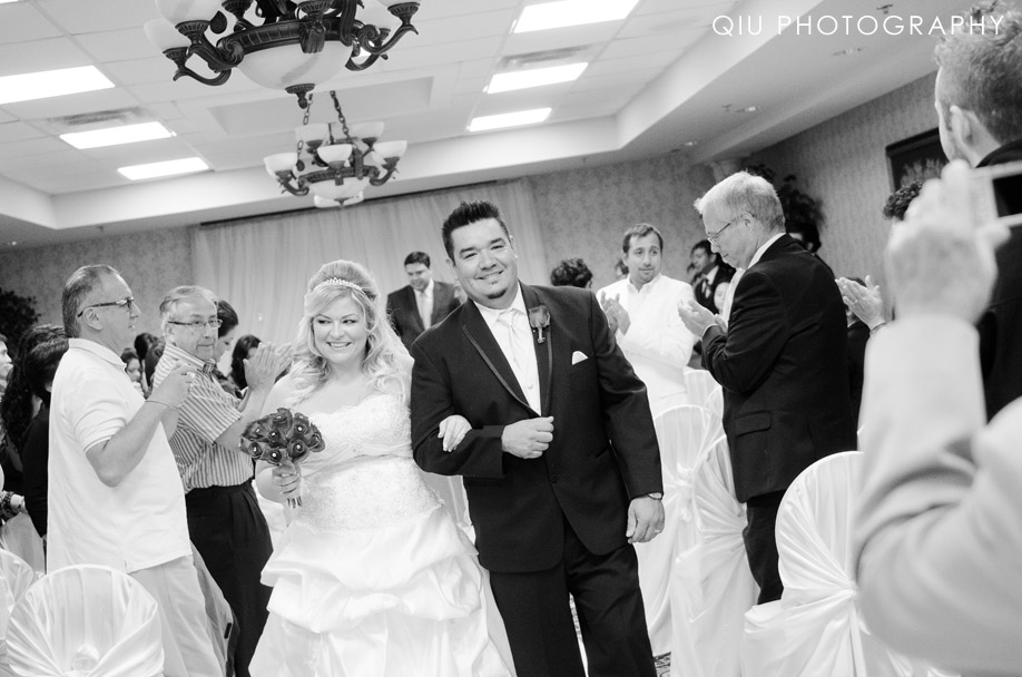 MississaugaWeddingPhotographer00175 Toronto Wedding Photography | Riviera Parque Dining Banquet Convention Centre | Sarah & Claudio (Sneak Peek)