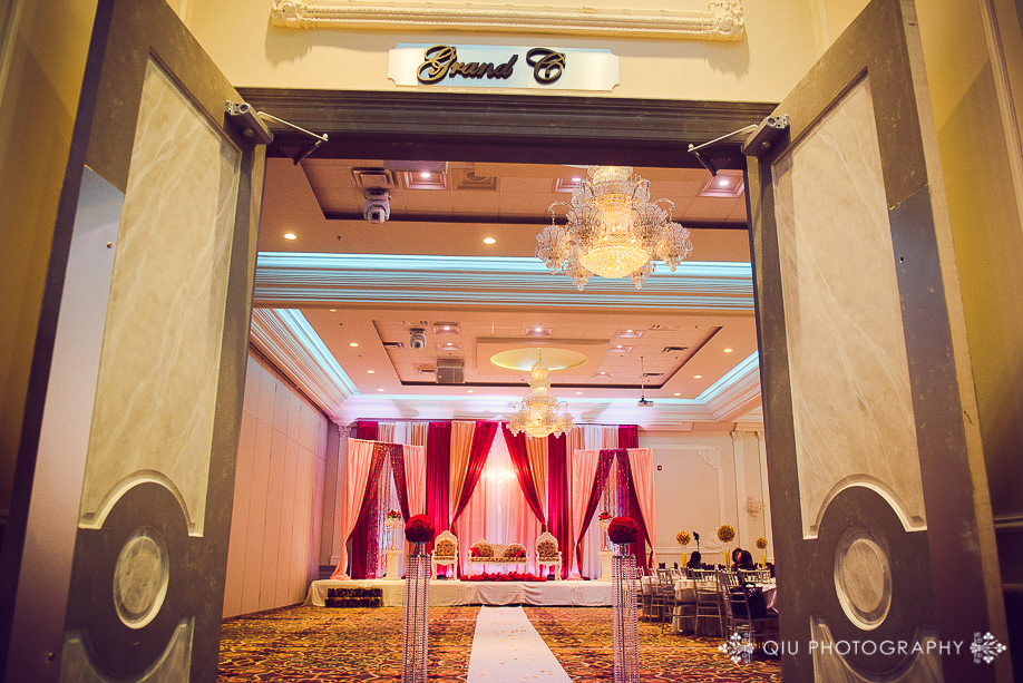 Toronto Wedding Photography Chandni Banquet Hall Scarborough B06 Toronto Wedding Photography | Chandni Grand Scarborough